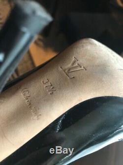 Louis Vuitton pumps 37,5 (US 7) Rare, limited edition collection Authentic