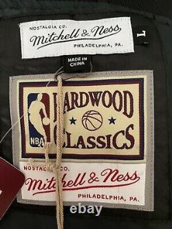 Mitchell & Ness NBA Chicago Bulls 6 rings Satin Bomber Jacket Jordan Era. Large