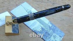 New Delta Venezia Limited Edition Fountain Pen & Base BROAD 18k Nib